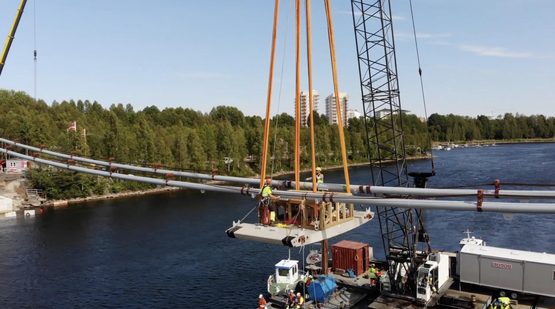 Marcon building bridge