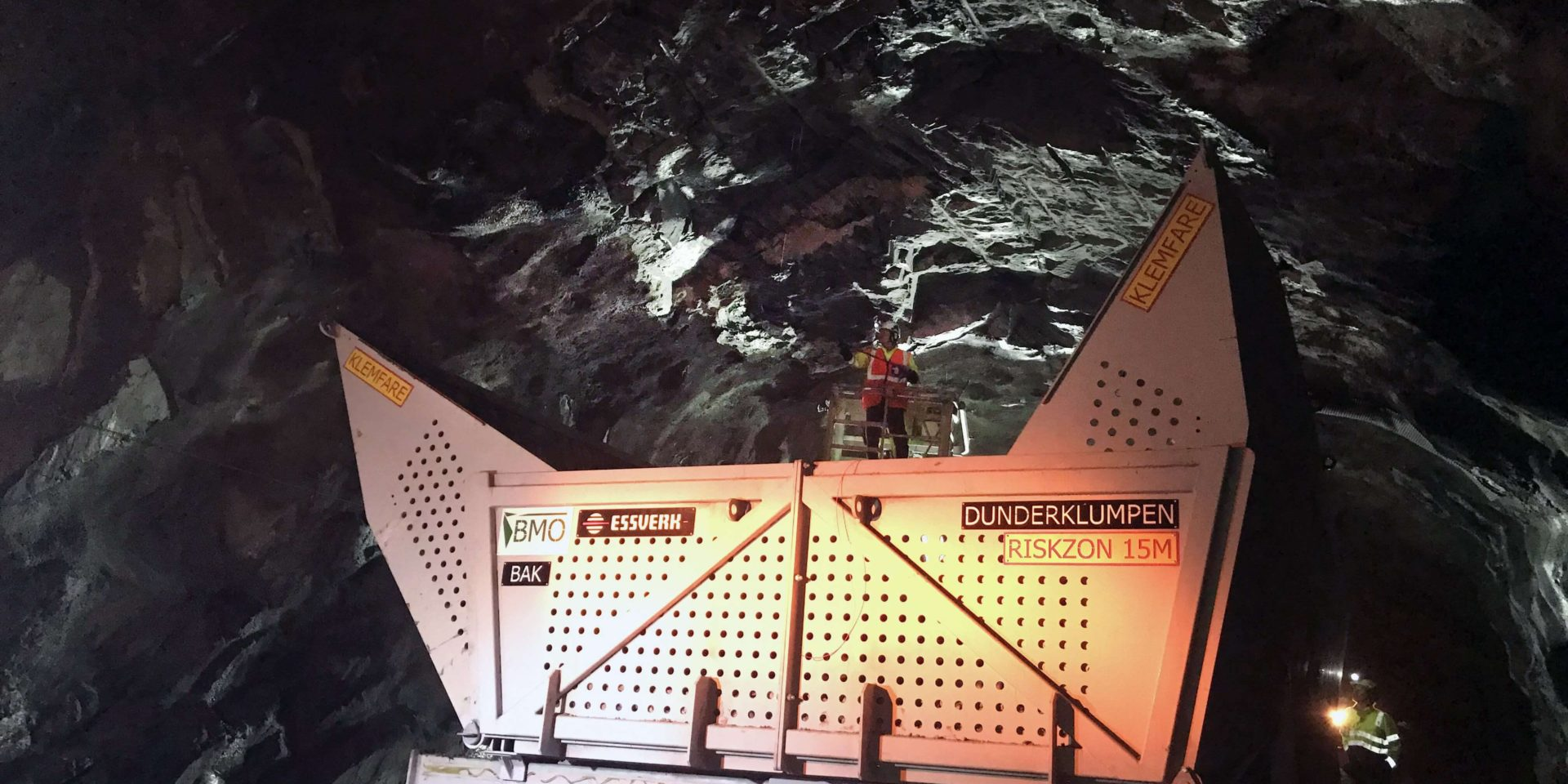 bmo working in tunel